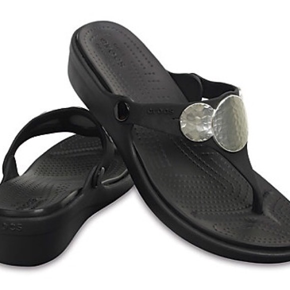 cf7509b6c8e9e Women s Sanrah Embellished Wedge Flip Flops Size 7